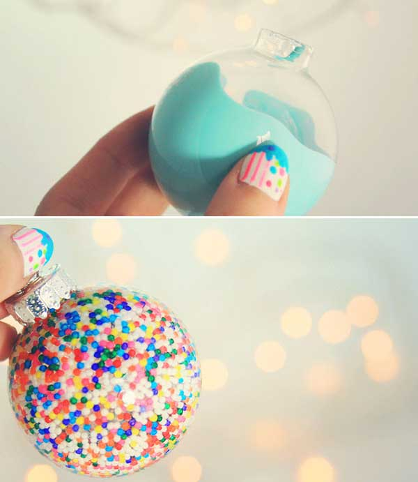 Top 36 simple and affordable diy christmas decorations simple filled and painted ornaments diy christmas decorations 2 solutioingenieria Choice Image