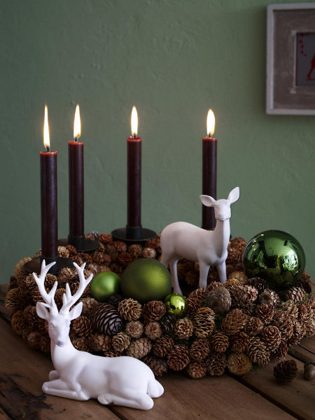 christmas-candleholders-porcelain-deer-rustic-centerpiece-decoration-green-balls-ornament-cones