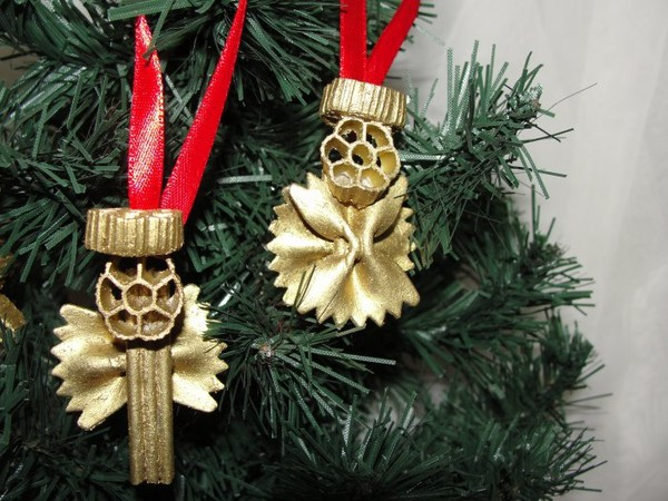 christmas-tree-crafts-gold-ornaments-pasta-angels