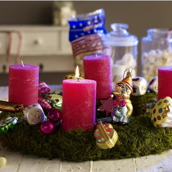 diy-christmas-candle-centerpieces-fir-tree-glass-ornaments-small-toys-adornment