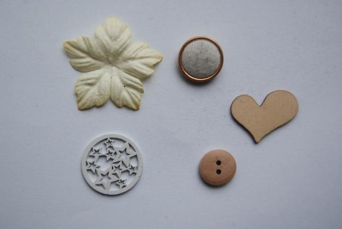 diy-christmas-fir-tree-ceral-pebbles-rhinestones-decoupage-materials