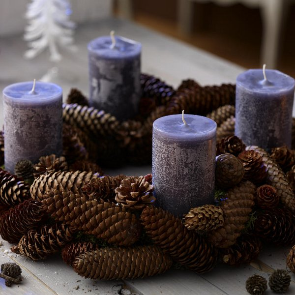 diy-festive-candle-centerpiece-simple-rustic-cone-christmas-table-decoration