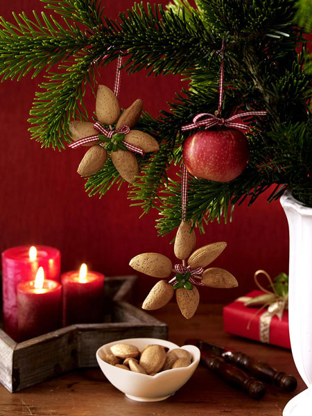 homemade-christmas-ornaments-natural-materials-almonds-apple