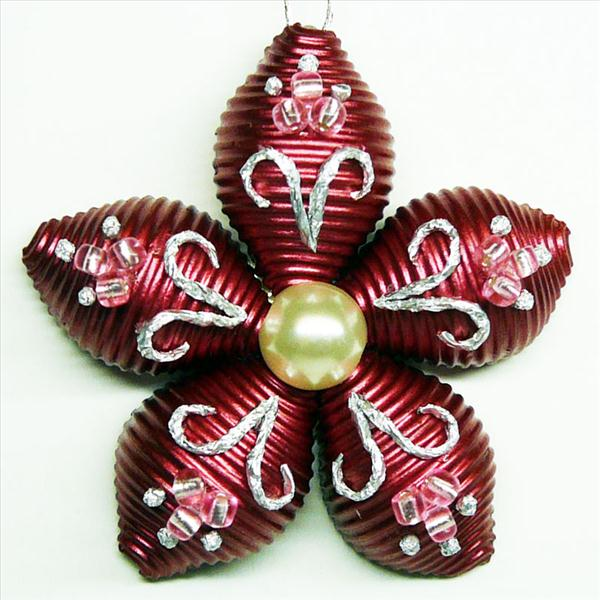 homemade-christmas-tree-ornament-flower-pasta-red-pearl