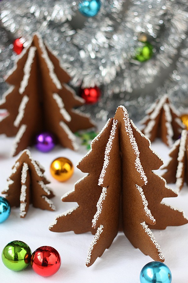 homemade-christmas-trees-gingerbread-forms