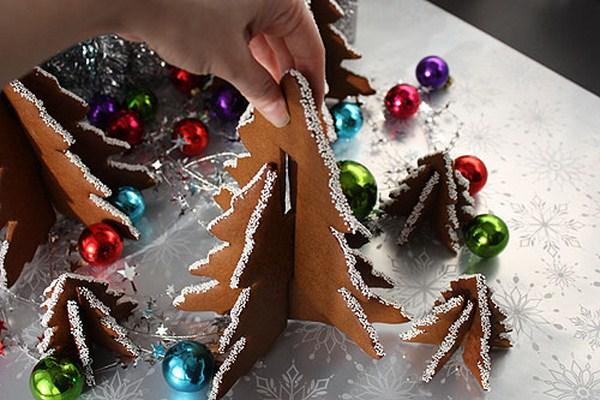 homemade-christmas-trees-gingerbread-white-sprinkles