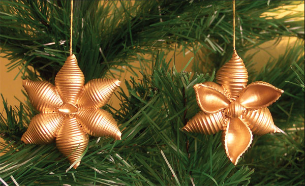 how-to-make-pasta-snowflakes-tree-ornaments-gold-paint