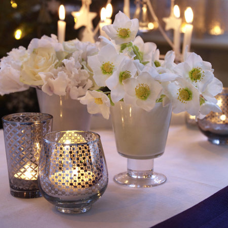 last-minute-diy-christmas-decorations-white-christmas-roses-candle-holders