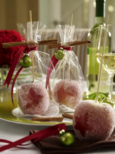 last-minute-diy-christmas-kids-treats-apples-cinnamon-sticks-ball-ornament