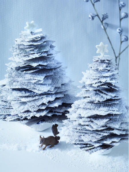 last-minute-diy-christmas-trees-newspaper-faux-snow