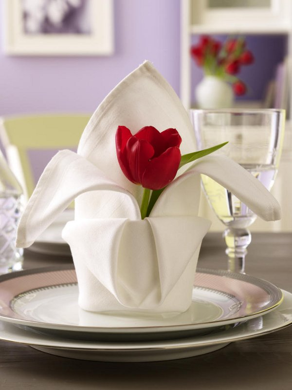 Impress your loved choveksas great ideas for decorating a table for valentine - Deco de table serviette ...