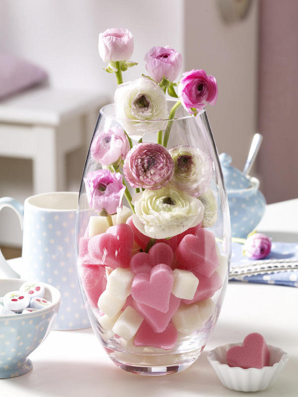 Impress your loved choveksas great ideas for decorating a for Valentines day flower ideas