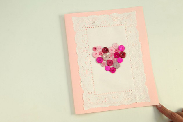 DIY Valentine's Day Cards tutorial pink buttons rectangular  paper doilies