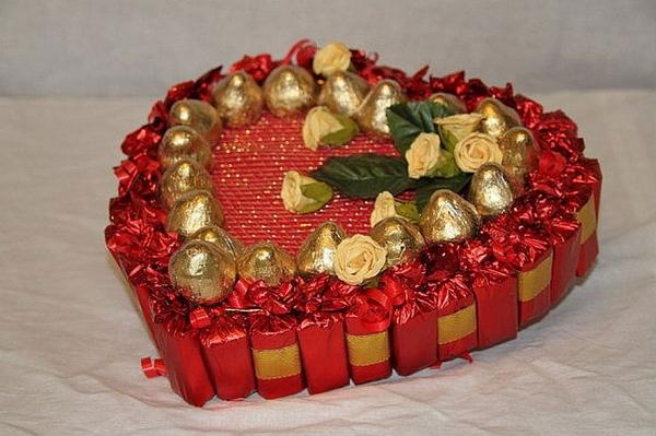 DIY Valentine's Day gift chocolates foam base arrangement