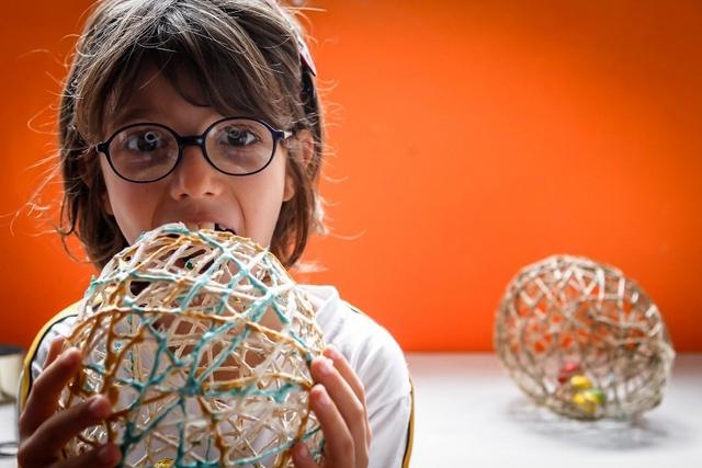 homemade easter gift ideas kids adults yarn eggs