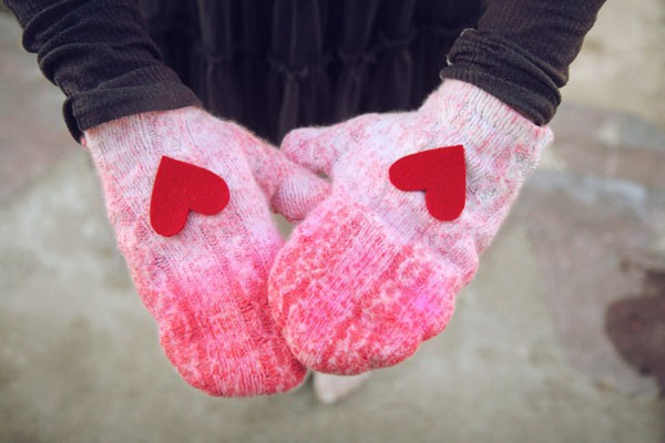 decorate her mittens with hearts homemade valentines day gifts her pinned felt hearts mittens