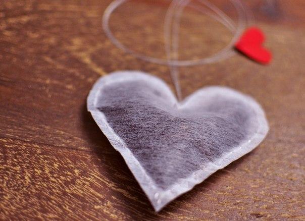 smallHomemade Valentine's Day gifts for him idea tea bag heart shape