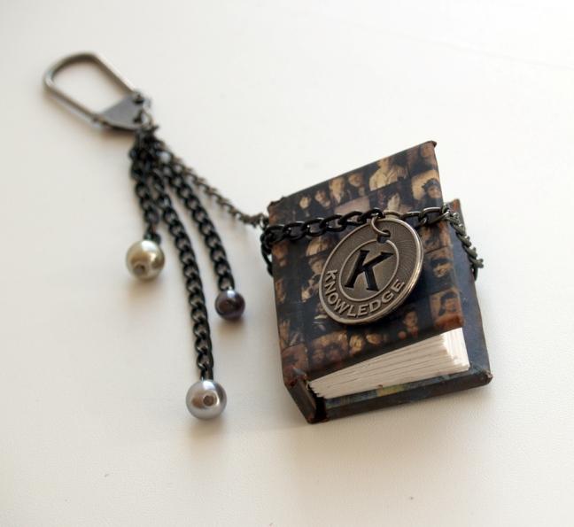 valentine gift idea men mini book key chain tutorial