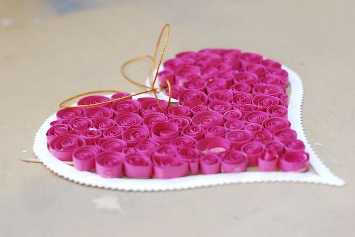 valentines day craft idea for kids quilling paper pink heart diy decorating idea