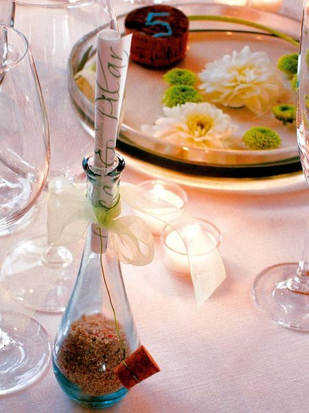 valentines day decor suprise ideas table setting love message bottle
