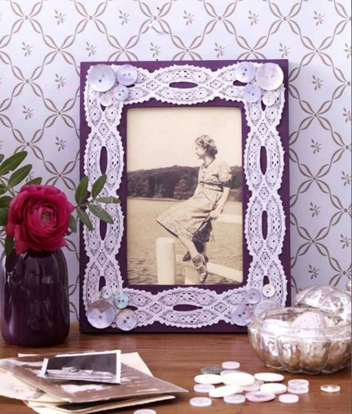 diy mothers day gift ideas old photo hers photo frame buttons lace