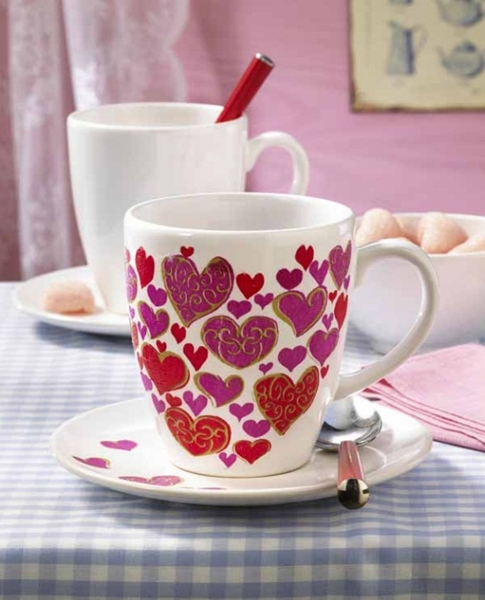 homemade Mother's day gift ideas  coffee mug hearts decoupage