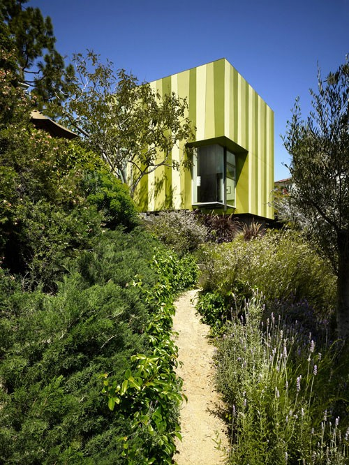 House-with-green-interior-003