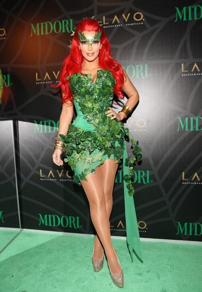 Halloween-Costumes-of-the-stars-Kim-Kardashian