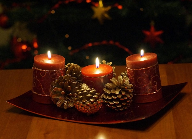 40-ideas-for-christmas-candles-on-table-00018