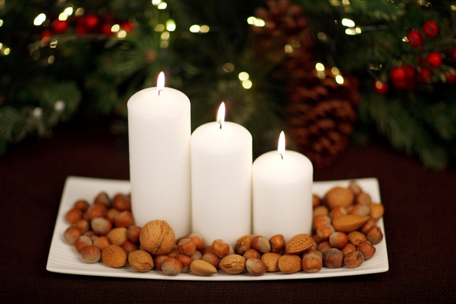 40-ideas-for-christmas-candles-on-table-00022
