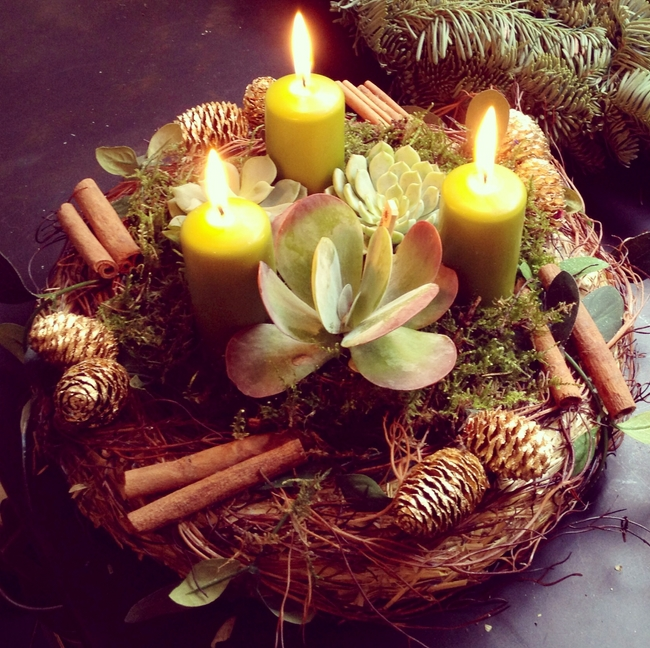 40-ideas-for-christmas-candles-on-table-00024