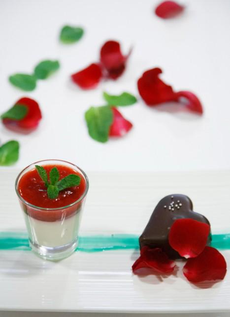 3-unique-easy-valentines-day-dessert-recipes-cotta-strawberry-sauce