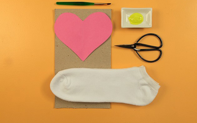 Decorate-his-socks-for-Funny-DIY-Valentine's-Day-needed-materials