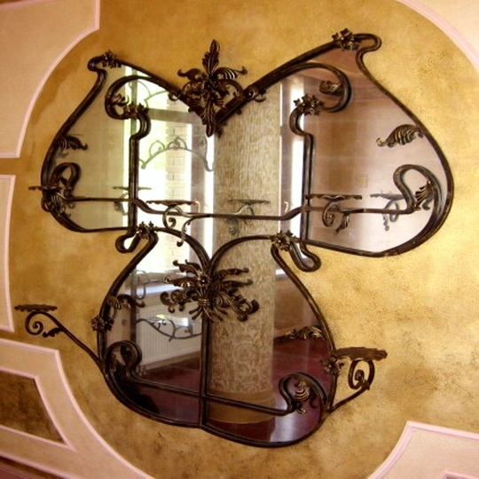 Iron-works-wall-decor-adds-symmetry-to-your-dwelling-07