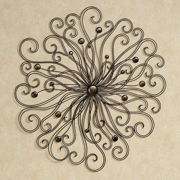 Iron-works-wall-decor-adds-symmetry-to-your-dwelling-24