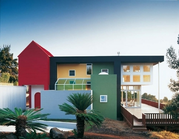 Schemes-trends-tips-and-ideas-for-exterior-color-schemes-bold-gree-and-red