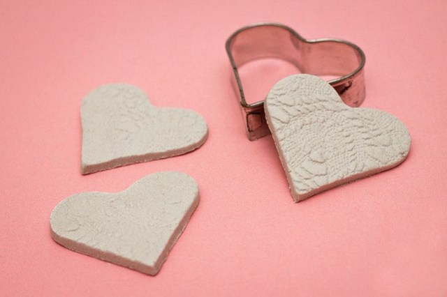 Valentine's day craft for kids – Easy polymer clay hearts