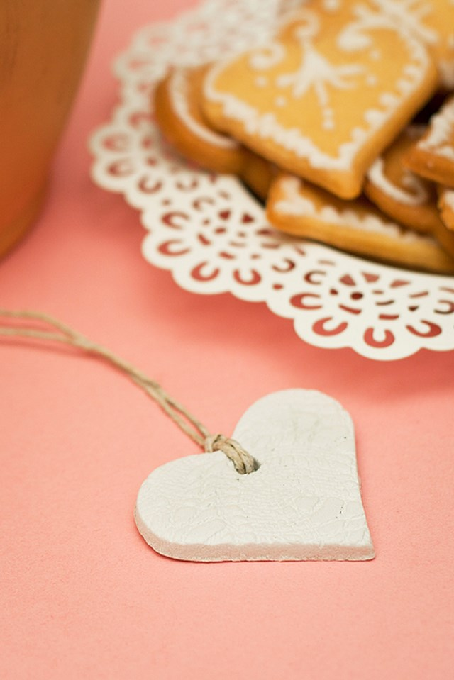 valentines-day-craft-for-kids-diy-handmade-cute-necklace-polymer-clay-heart