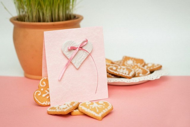 valentines-day-craft-for-kids-greeting-card-thin-pink-ribbon-decoration-heart-shaped-biscuits
