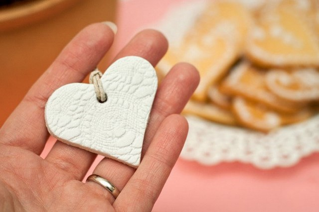 valentines-day-craft-for-kids-nice-gesture-diy-gift-idea-handmade-heart-clay-pendant