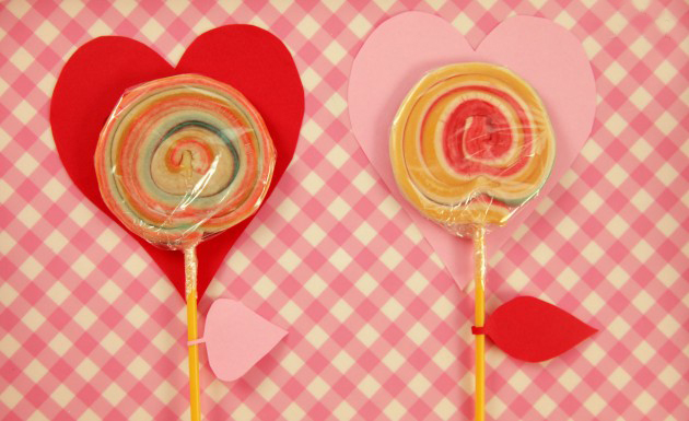 valentines day crafts kids sweets gift lollipop paper hearts ideas