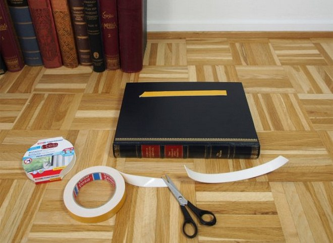 diy-side-table-made-from-old-books-tutorial-002