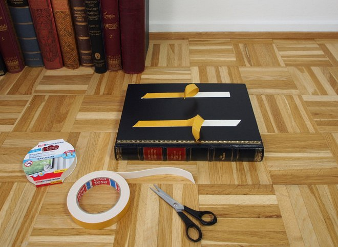 diy-side-table-made-from-old-books-tutorial-003