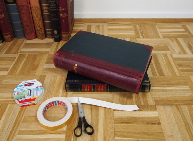 diy-side-table-made-from-old-books-tutorial-004
