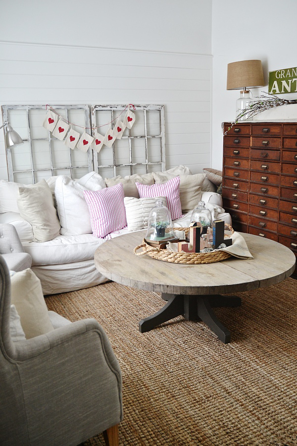 valentines-day-living-room-04