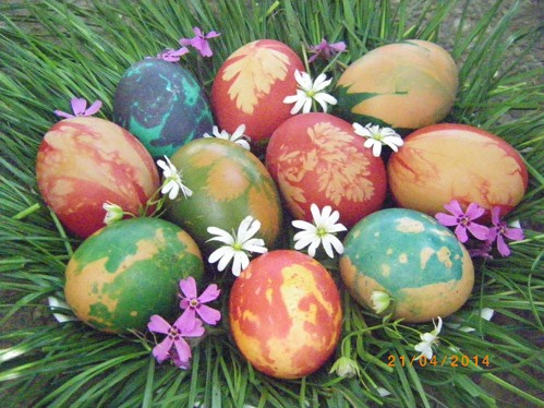 Colorful-Easter-eggs-001