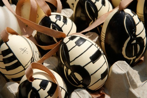 custom-colors-for-easter-decoration-018