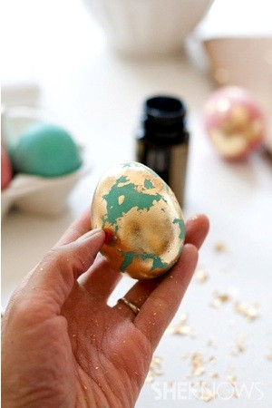 techniques-for-painting-easter-eggs-024