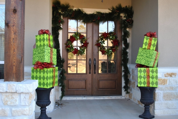 christmas-door-decorations-ideas-for-the-front-and-interior-doors-img005