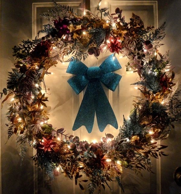 christmas-door-decorations-ideas-for-the-front-and-interior-doors-img007